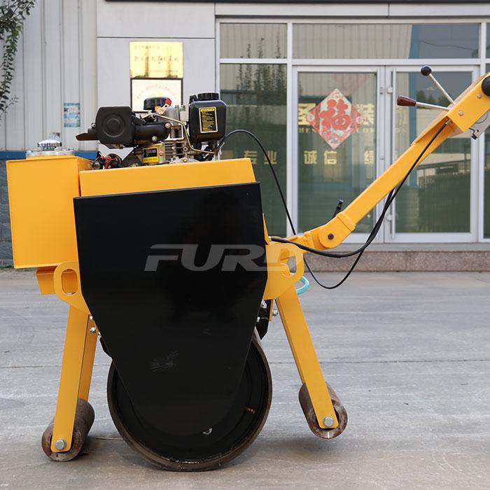 FYL-600C 柴油手扶压路机